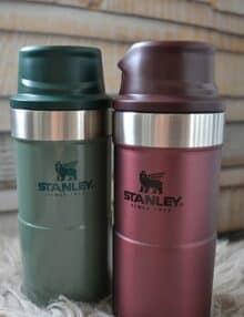 Stanley One hand mug grøn og rød
