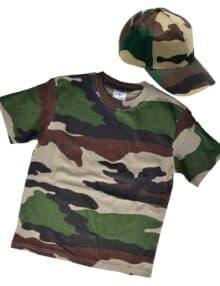 Camouflage t-shirt og cap