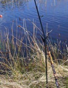 Stangholder spyd til fiskestangen